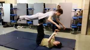 t-y-students-learning-new-juggling-and-balancing-skills-during-a-circus-skills-and-gymnastics-workshop