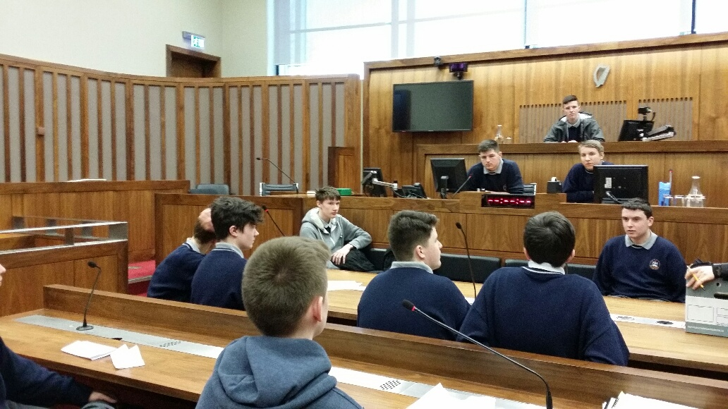 T.Y.-students-holding-a-Mock-Trial-during-a-recent-visit-to-the-Criminal-Courts